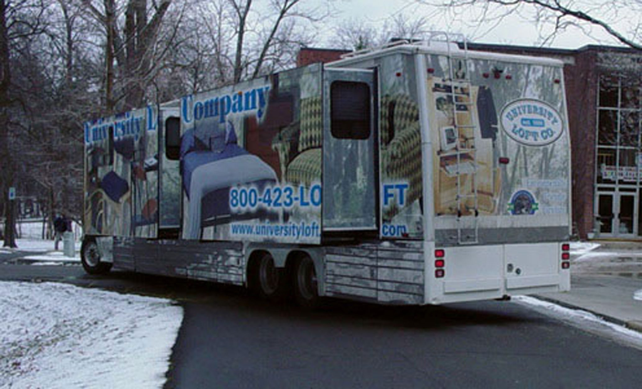 Second Mobile Showroom